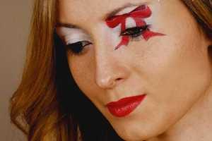 BeautifulYouTV's 'Christmas Bow Makeup Tutorial' is Ultra Festive