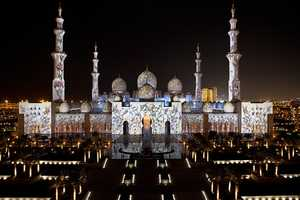Obscura Digital Illuminated the Sheikh Zayed Grand Mosque
