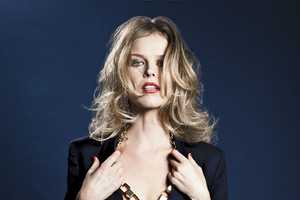 The S Moda Eva Herzigova Pictorial Takes a Look at a Tousled Icon