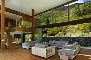 The Spa House in Cape Town Fuses the City with Nature