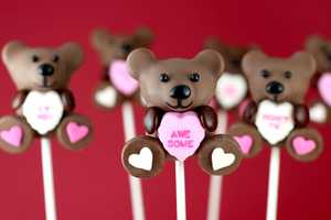 These Valentine's Day Cake Pops are Full of Sweet Sentiment