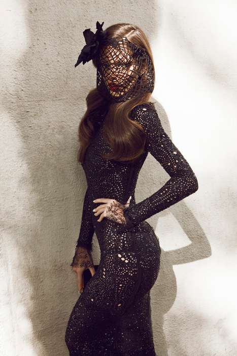 Gothic Femme Fatale Editorials - The Emily DiDonato Vogue Mexico Photo Shoot is Dark and Mysterious