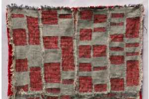 Kathryn Clark Creates an Artistic Display of Foreclosures With Blankets