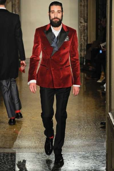 Eccentric Billionaire Catwalks - The Moschino Fall/Winter 2012 Menswear Collection is Dapper
