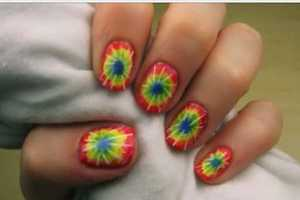 These Tie-Dye Nails Put Peace and Love at Your Fingertips