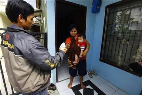 Breast Milk Deliveries - New Service in Jakarta Helps Working Mothers Feed Their Infants