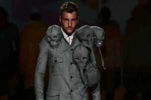 Aitor Throup's Strange Suit