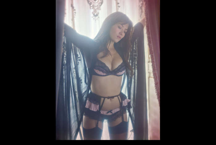 Soft-Focused Lingerie Snaps