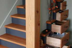 These Tansu Chest Stairs Reveal a Clever Use of Every Nook and Cranny