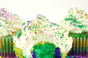 These Mardi Gras Cupcakes Will Have You Partying With the Best of Them
