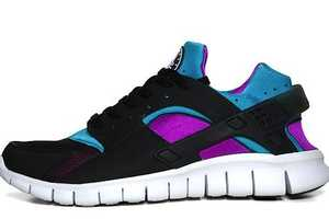 The Nike Huarache Free Running Shoes are Sleek and Sporty