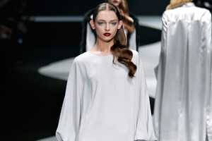 The Viktor and Rolf Fall 2012 Collection Has a Variety of Textures