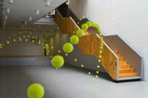 'Causa-Efecto' by Ana Soler Freezes 2,000 Spheres in Mid-Air