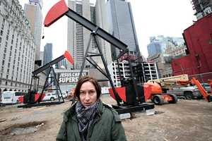 The Manhattan Oil Project Juxtaposes Drilling Against the Busy City Core