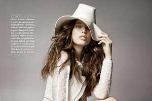 The Vogue April 2012 'Oda al Blanco' Spread Exhibits Daring White Pieces