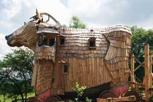 La Balade Des Gnomes is a Fantasy Themed Rustic Retreat