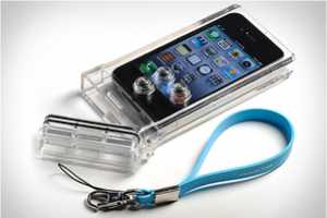 The iPhone Scuba Case by TAT7 Shields Your Phone From H2O