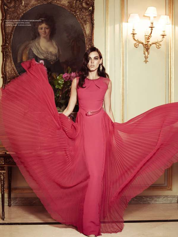Glamorously Gowned Galleries 9