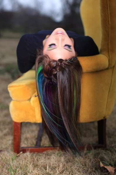 hair chalking temporary dye hair trend