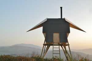 The Huginn & Munnin Sauna Overlooks the Beatiful Italian Landscape