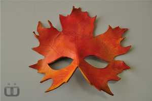 Fatima Al-Kharaz Creates Leaf-Like Disguises