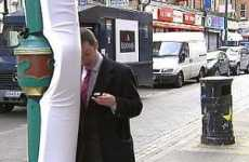 Texting on the Run - Padded Lampposts Protect London SMSing Pedestrians