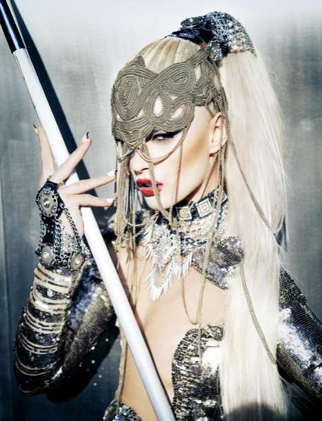 Hunter-Themed Photoshoots - The Schon Magazine 17 Crystal Renn Set is Hunger Game Themed