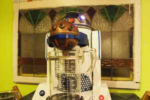 This R2D2 Coffeemaker Keeps You Away from the Dark Side