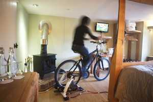 The Bike-Fueled Cottage Lodge TV Operates on Foot Peddling