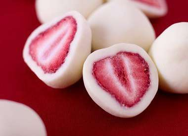 Freezer Fruit Treats - These Frozen Greek Yogurt Covered Strawberries are Refreshing and Adorable