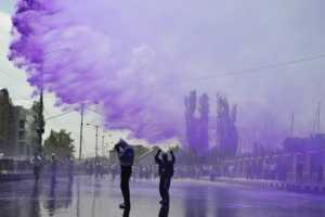 Indian Police Use Purple Water to Spray Rioters in Srinagar
