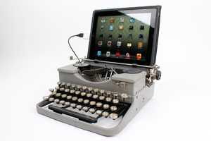 The USB Typewriter Turns Your iPad Into Something Ancient