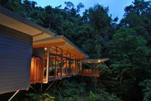 The HP Tree House by mmp Architects is Easily Maintained