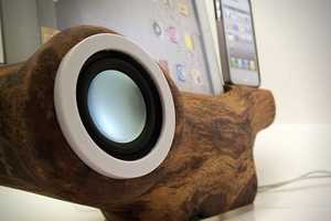The RockAppleWood iPad/iPhone Speaker Dock is Cleverly Upcycled