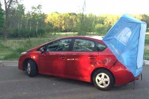Prius Habitents Turn Compact Vehicles into Comfortable Sleeping Quarters