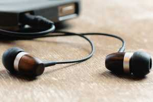 Griffin Technologies Woodtone Earbuds Provide Excellent Sound