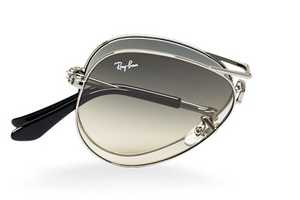 The Ray-Ban Foldable Aviators are a New Endeavor for The Brand