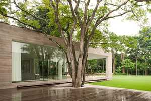 The Isay Weinfeld 'Casa Grecia' is Closely Tied to Nature