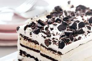 The Ice Cream Sandwich Cake is a Dessert Within a Dessert