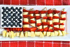 The Brit & Co. Blog Shows How to Make a Stars and Stripes Fruit Platter