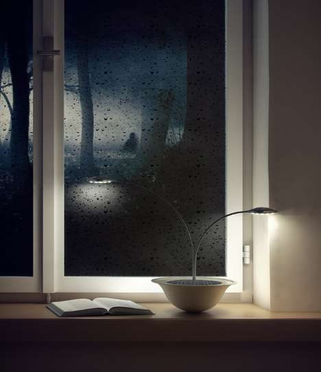 Plant-Like Lumieres - The BLUM Lamp Absorbs Solar Power in Order to Provide Light After Sunset