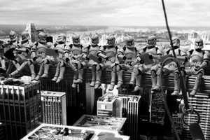 David Egen Recreates Iconic Photographs with Star Wars Toys