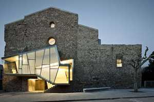 The Sant Francesc Convent Mashes Medieval Architecture with Contemporary