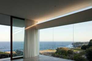 The Chris Elliott Architects Seacliff House is Stunning