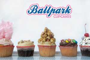 These Ballpark Cupcakes Pay Homage to Classic Sporty Cuisine