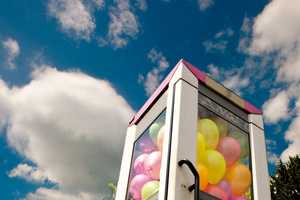 The ich bin KONG Balloon Booth Street Art is Bright and Whimsical