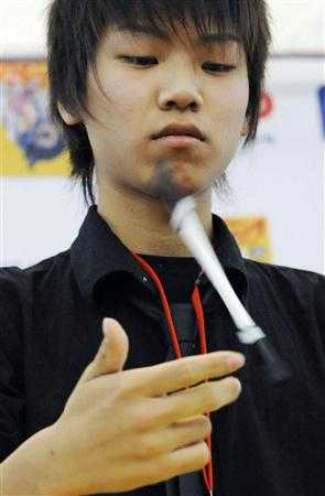 Pen Spinning Tournaments - 16 Year Old Japanese Champion