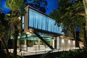 The Iporanga House by Nitsche Arquitectos Associados is Lavish