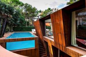 The Lanfranco Pollini 'Villa al Mare' is Geometric