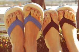 Hari Mari Footwear Donates Money to Battle Cancer